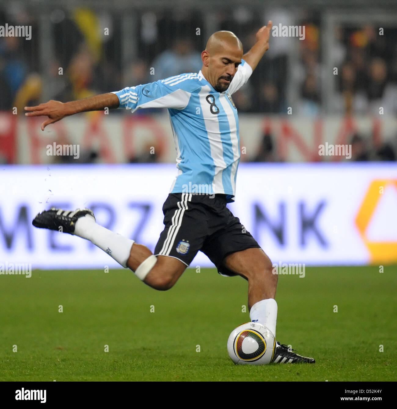 Argentina s Juan Sebastian Veron controls the ball during the test