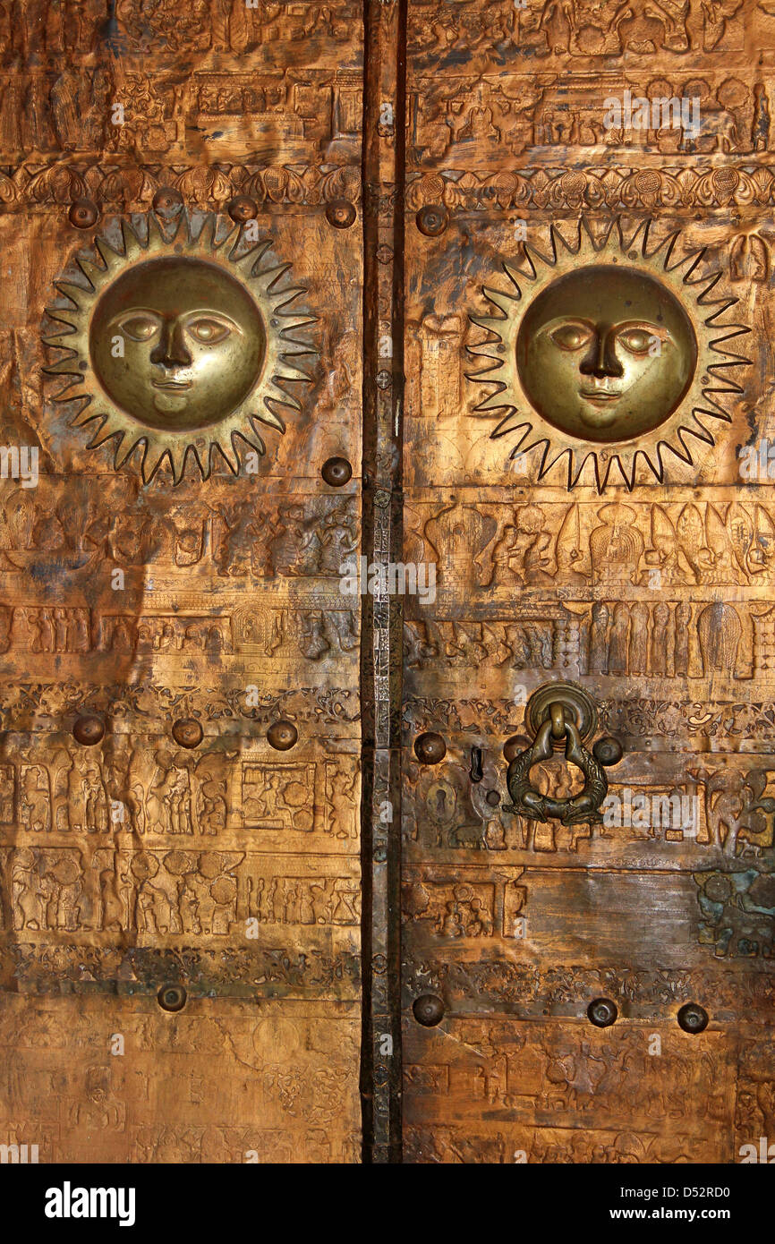 Sun Motif On Temple Doors Sri Lanka & Sun Motif On Temple Doors Sri Lanka Stock Photo: 54766684 - Alamy
