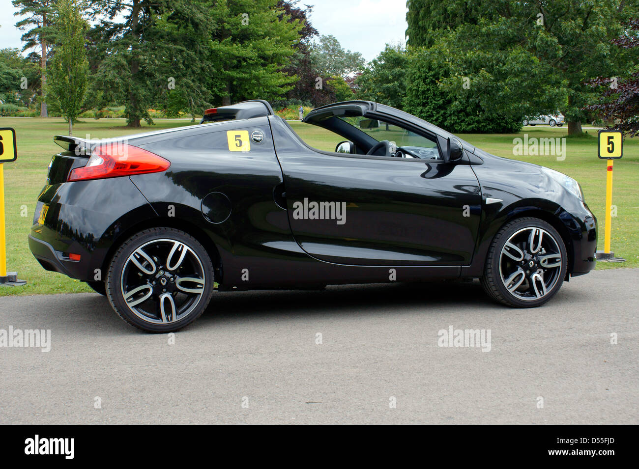 renault wind coupe cabriolet stock photo 54826421 alamy. Black Bedroom Furniture Sets. Home Design Ideas