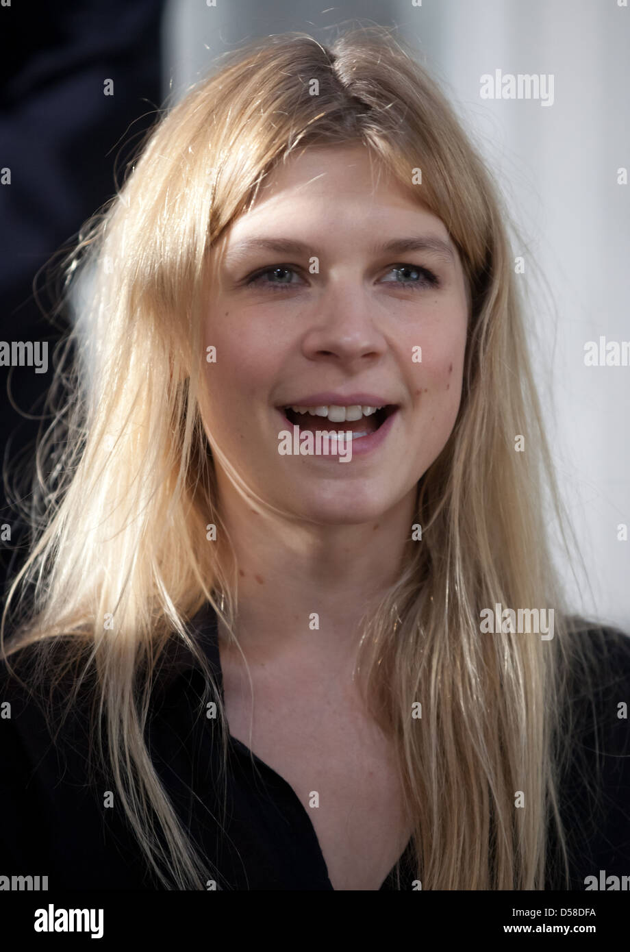 clemence poesy on the set of the movie mr morgans last