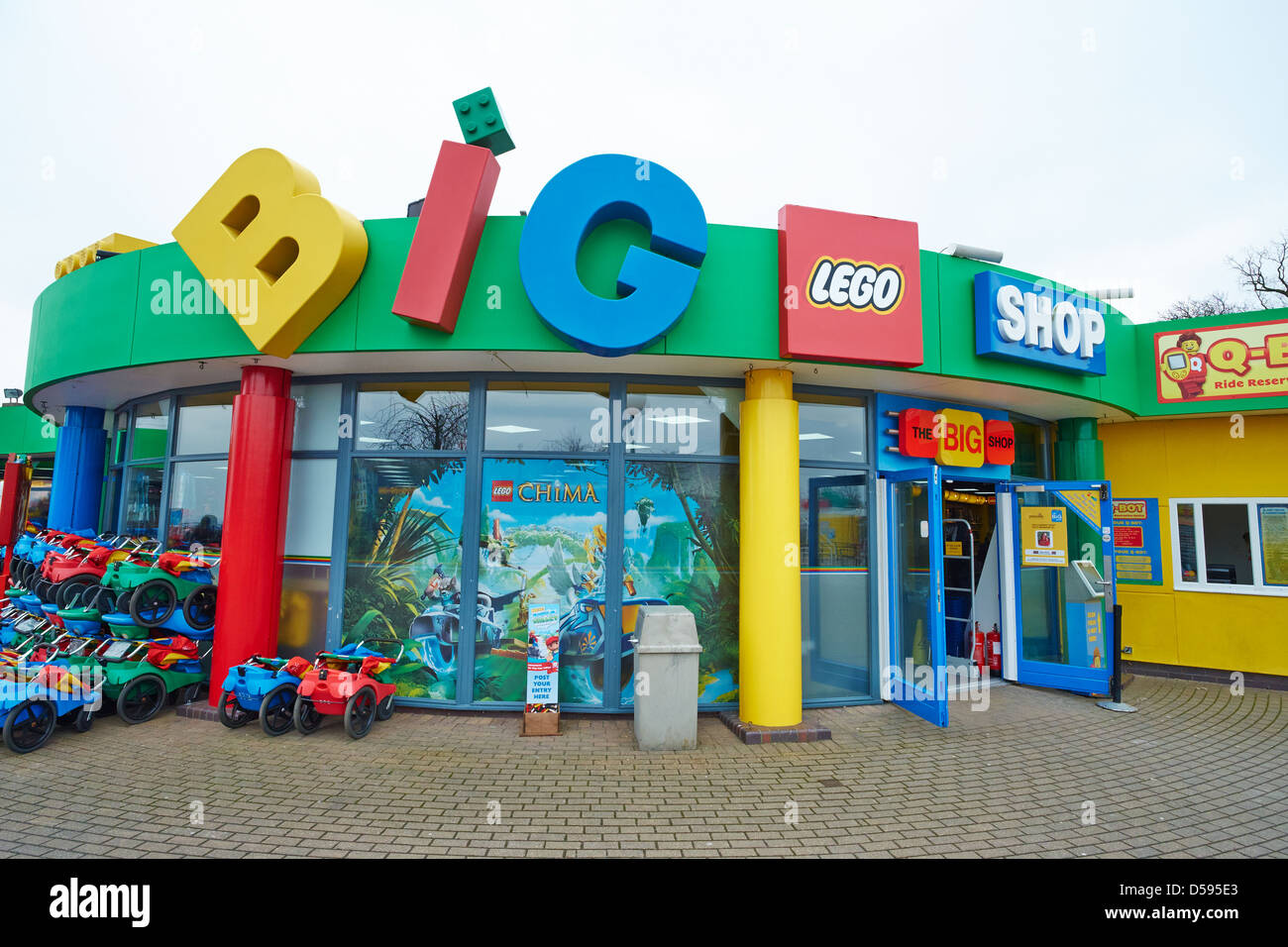 Nov 21,  · Awesome Lego shop Lots of fun Lego items to buy including exclusive items, the create your own minifigures is great fun, many interesting Lego displays to /5().