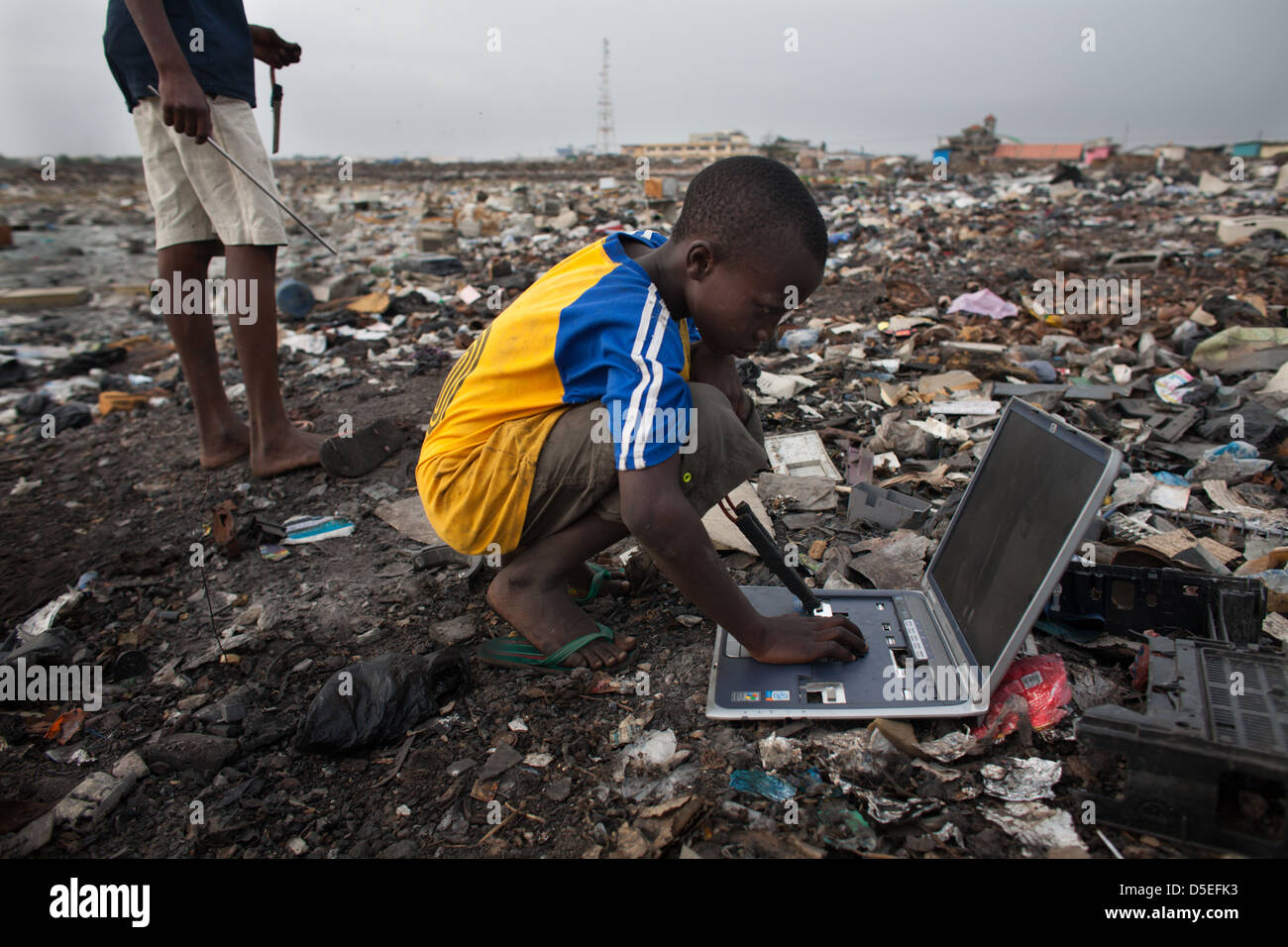 electronic-waste-in-agbogbloshie-dump-ac