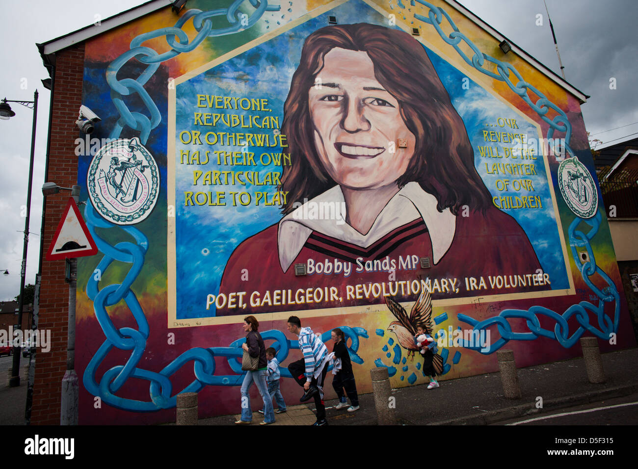 Boddy sands mural on the falls road belfast northern for Bobby sands mural falls road