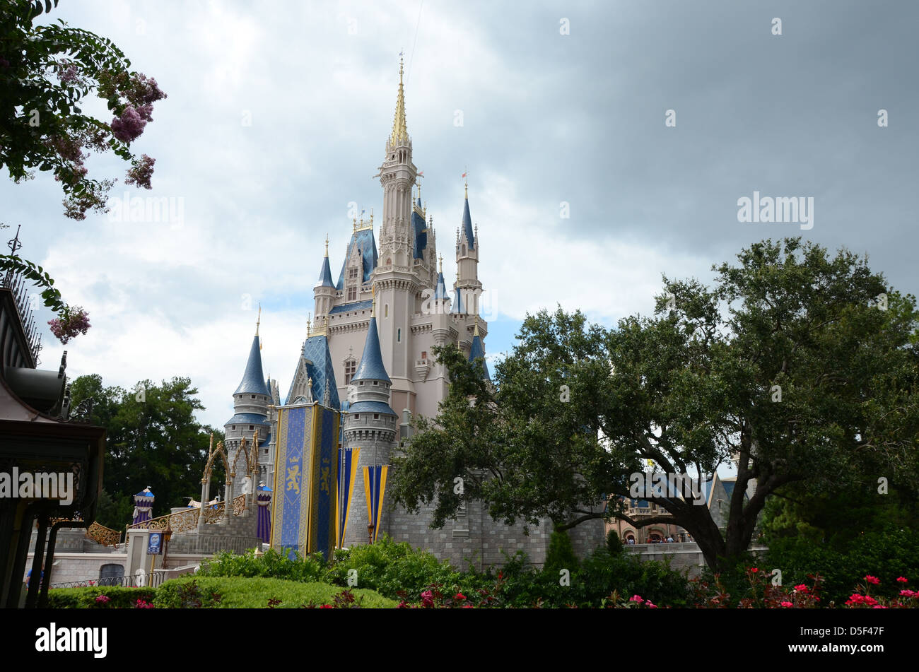 Cinderella castle magic kingdom walt disney world resort orlando florida usa