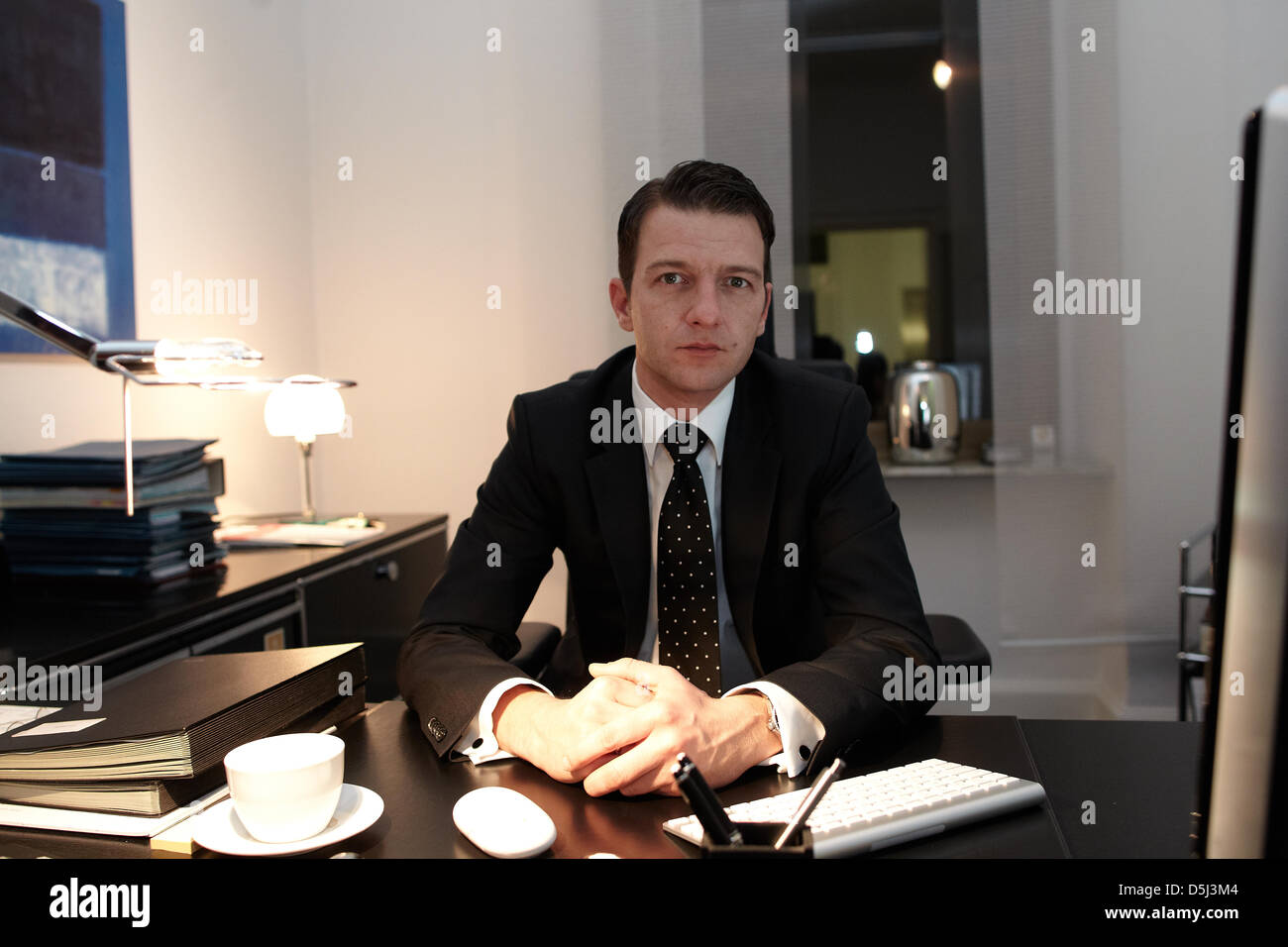 lawyers at desk - photo #4