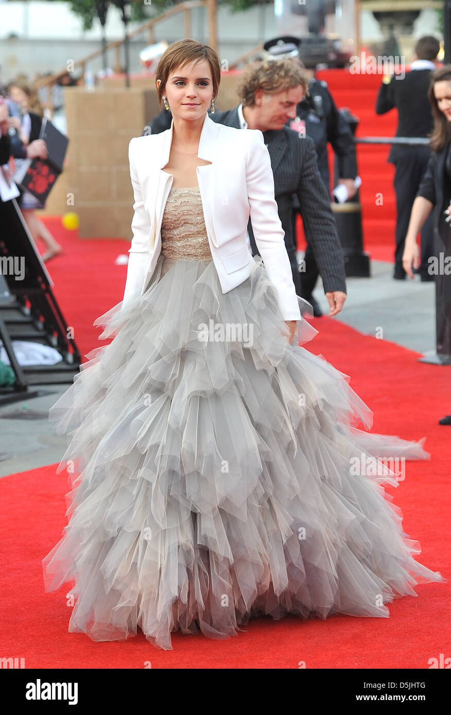 Emma Watson Harry Potter And The Deathly Hallows Part 2 Premiere Dress Emma Watson loses part...