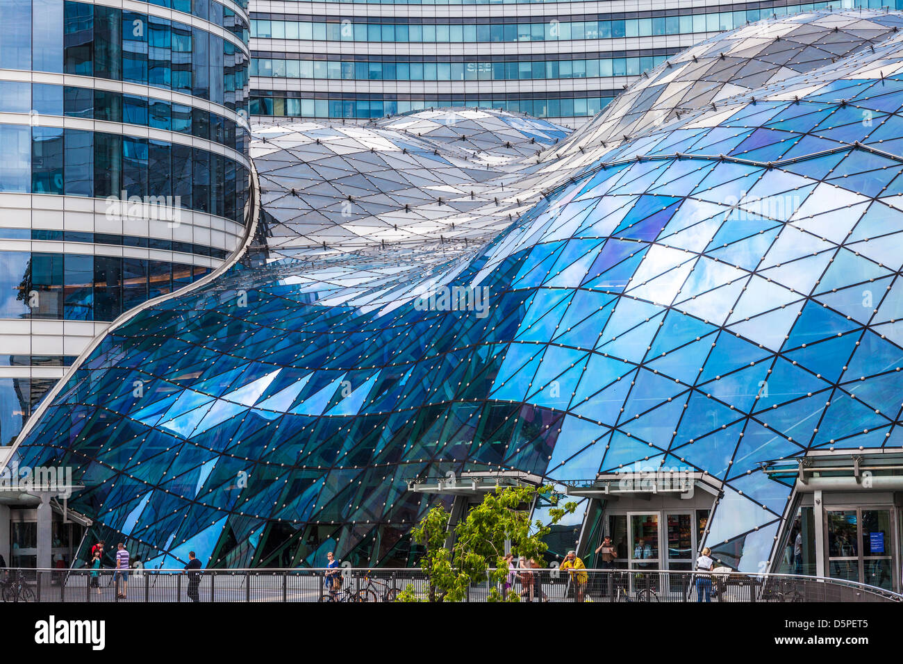 Stock Photo   The Futuristic Glass Roof Of The Złote Tarasy (Golden  Terraces) Shopping Mall In Central Warsaw, Poland