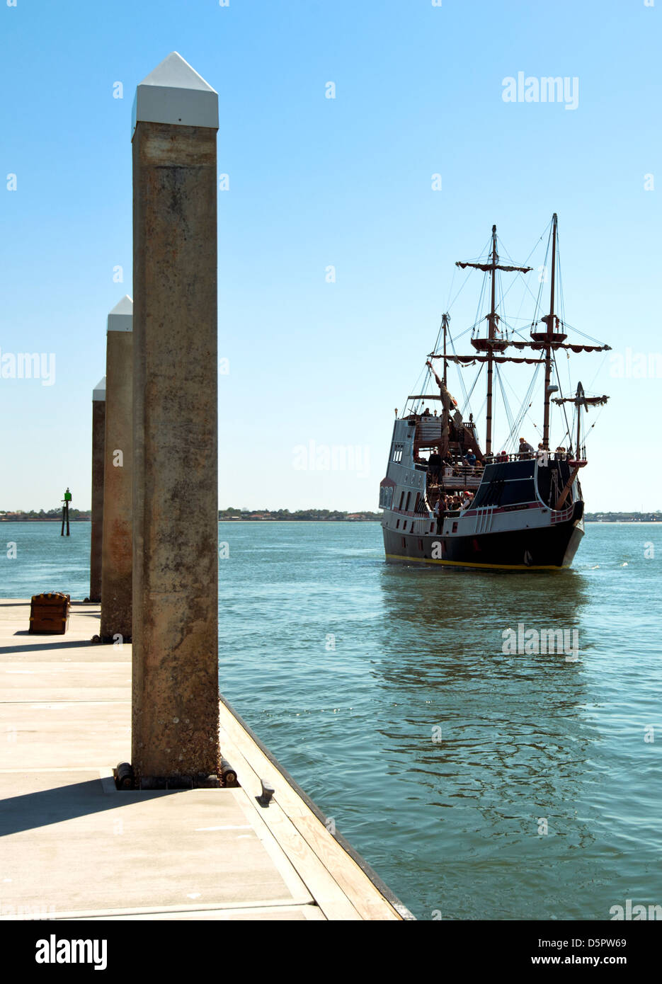 pirate ship boat stock photos u0026 pirate ship boat stock images alamy