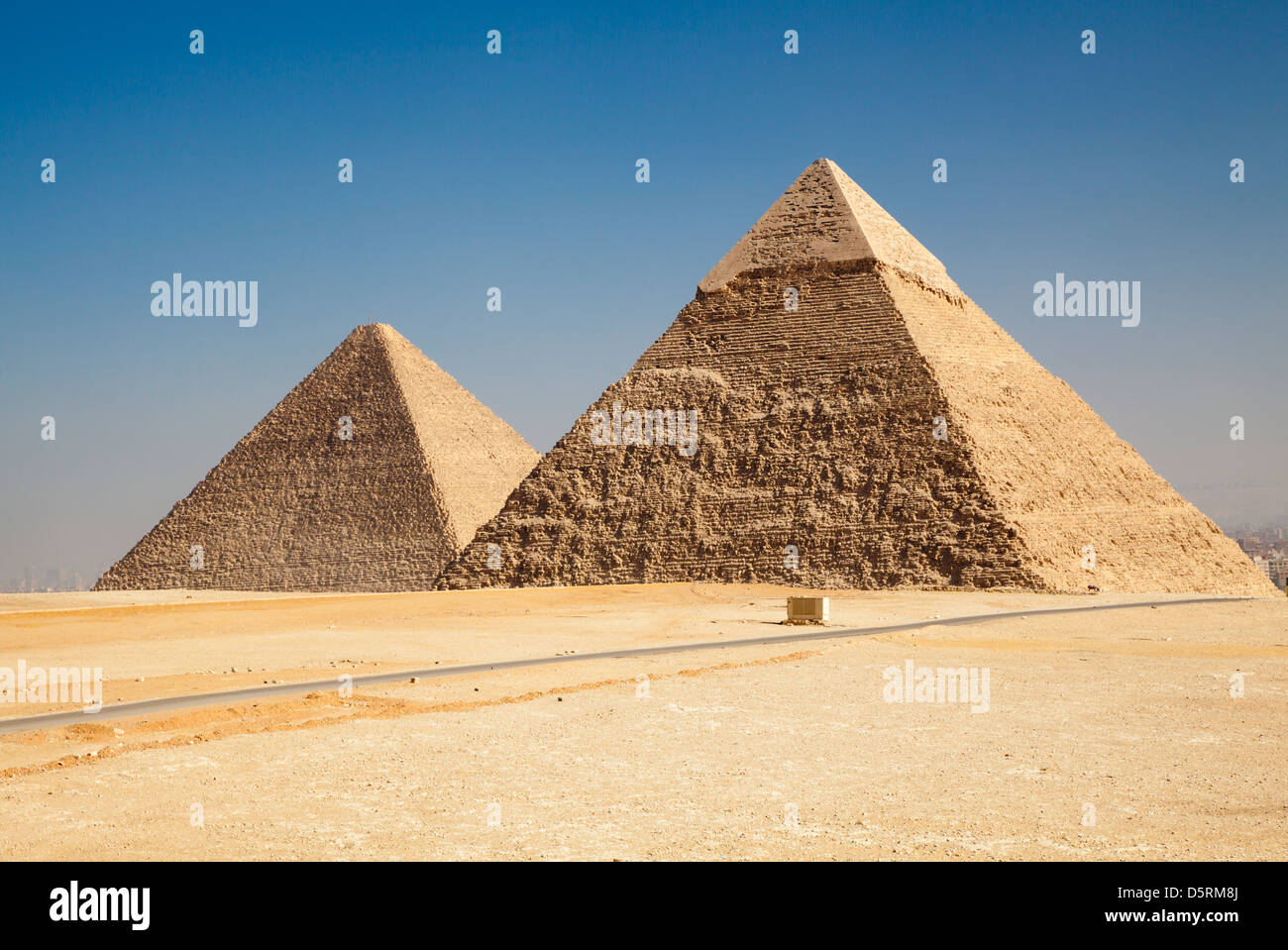 the ramses the great and the egyptian pyramids of giza The names of the 3 pyramids at giza are: the great pyramid = khufu = cheops the centre pyramid = khafre = chephren the smallest pyramid = menkaura = mycerinus the first name [eg khufu] is the egyptian name for the pyramid,the second name is the greek name for the pyramid.