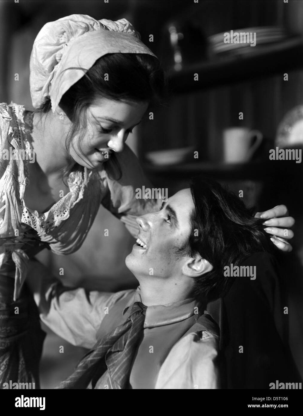 dear black and white stock photos images alamy diana dors michael dear oliver twist 1948 stock image