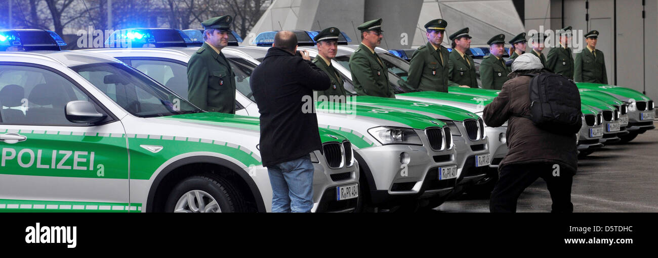 Bavarian Police Officers Stand Next To New BMW Police Cars In Munich,  Germany, 22 November 2012. Minister Of The Interior Herrmann Received Five  BMW 320d ...