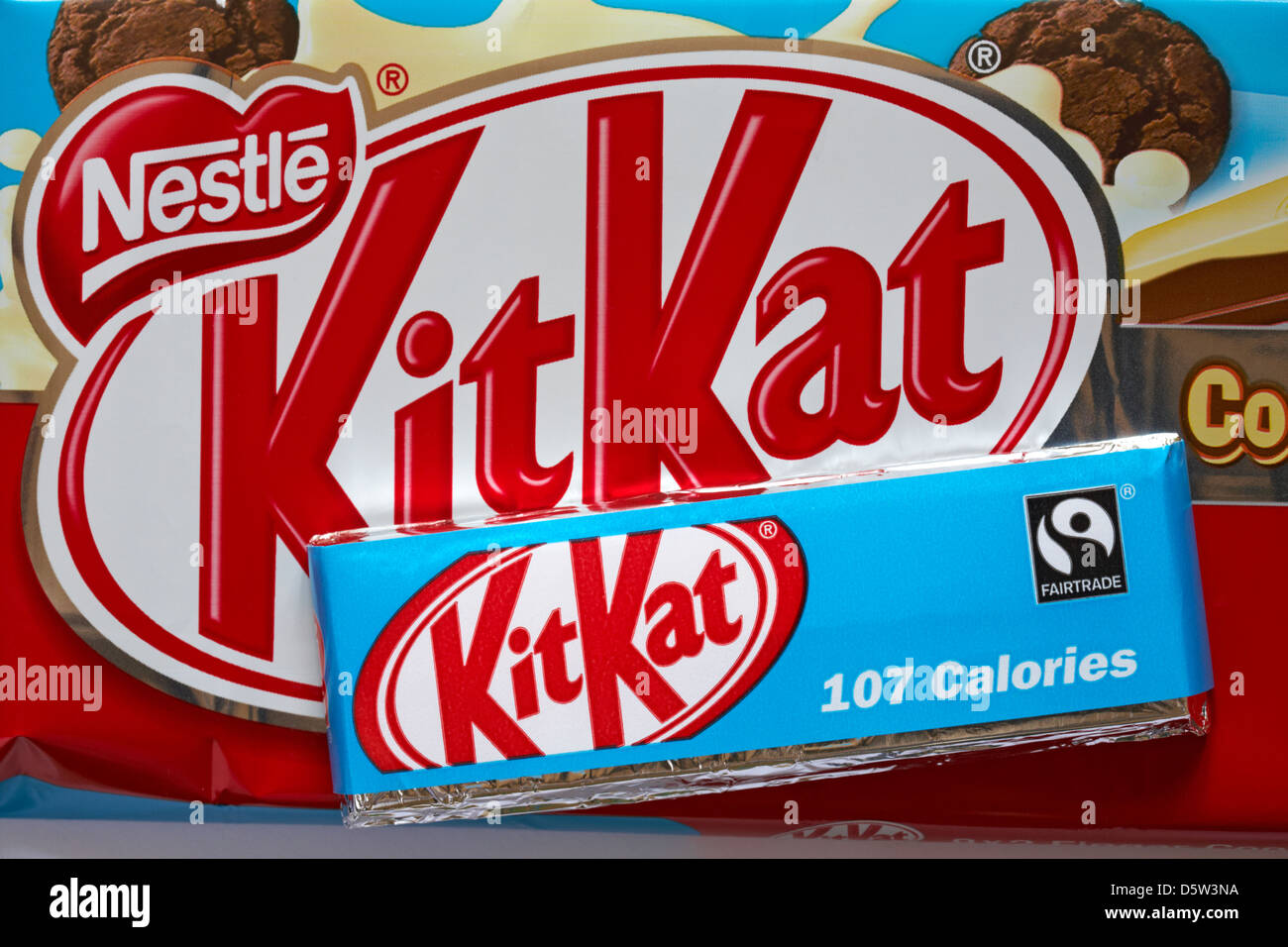 Nestle Cookies & Cream Kitkat multipack with 2 fingers chocolate ...