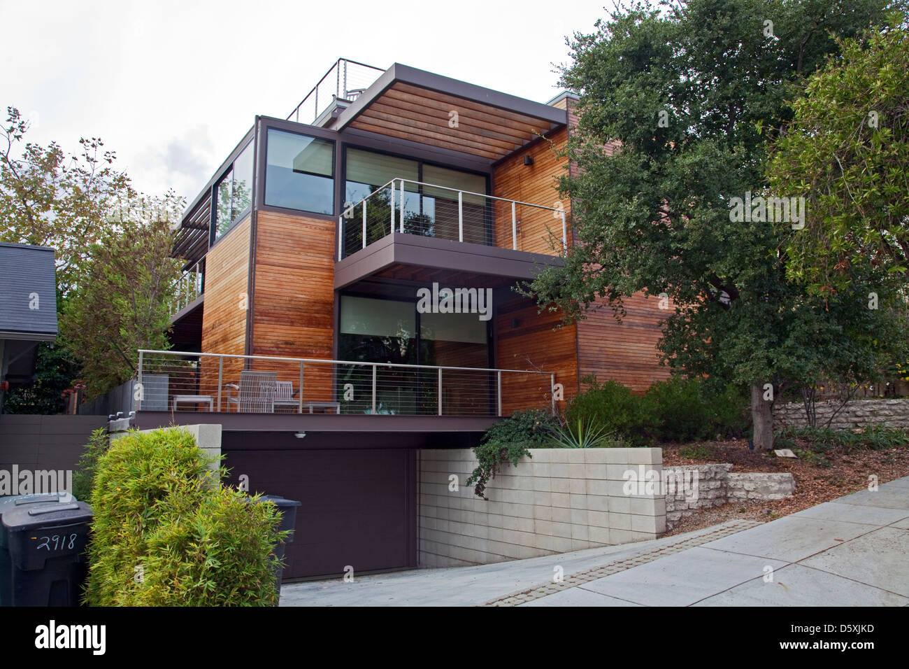 Elegant A Multi Level, Prefab, Modular Green Home By The Company LivingHomes And  Consists Of 11 Modular Sections. Santa Monica, CA