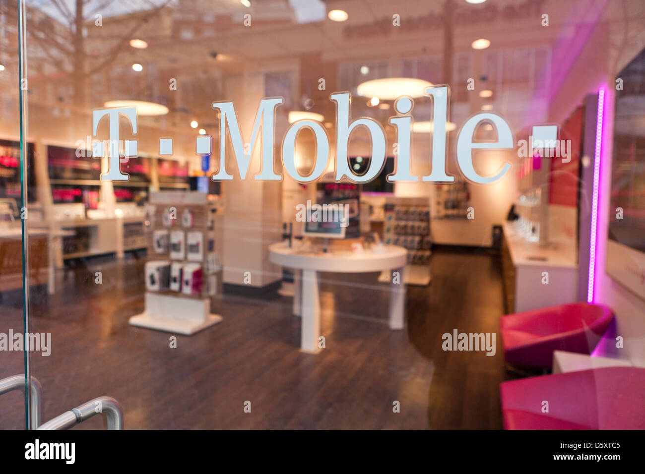 T Mobile Retail Store Stock Photo, Royalty Free Image: 55294293 ...