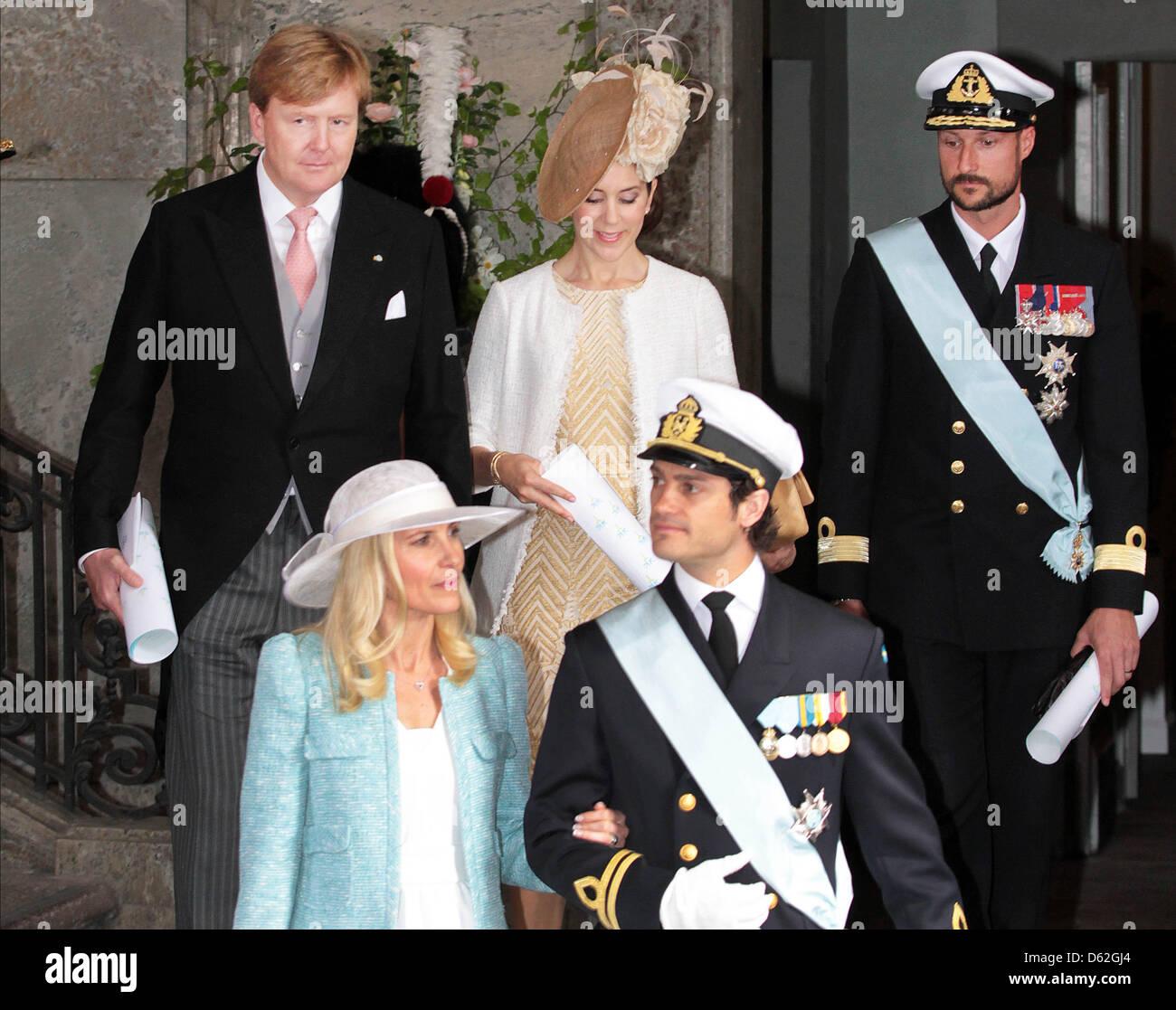 back-l-r-crown-prince-willem-alexander-of-the-netherlands-crown-princess-D62GJ4.jpg
