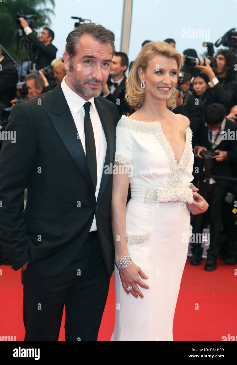 Actor jean dujardin and alexandra lamy arrive at the for Alexandra dujardin
