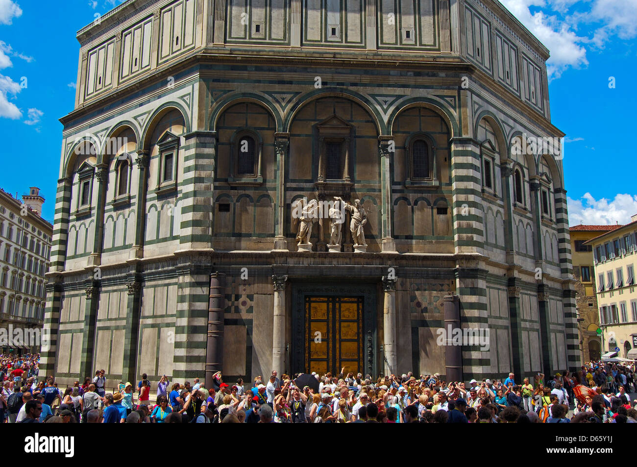 the florence baptistery Visit the florence's duomo complex and enter this historic area with your licensed guide you'll tour the cathedral, the baptistery, and the opera museum see the exterior of giotto's bell tower and climb to the top on your own if you like enjoy a full informative guided tour of florence's .
