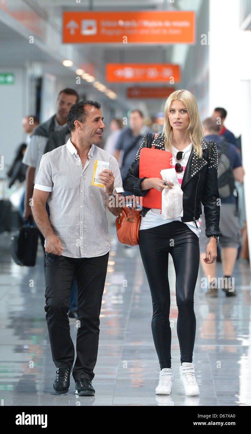 Lena Gercke (R), girlfriend of Sami Khedira, and his ...