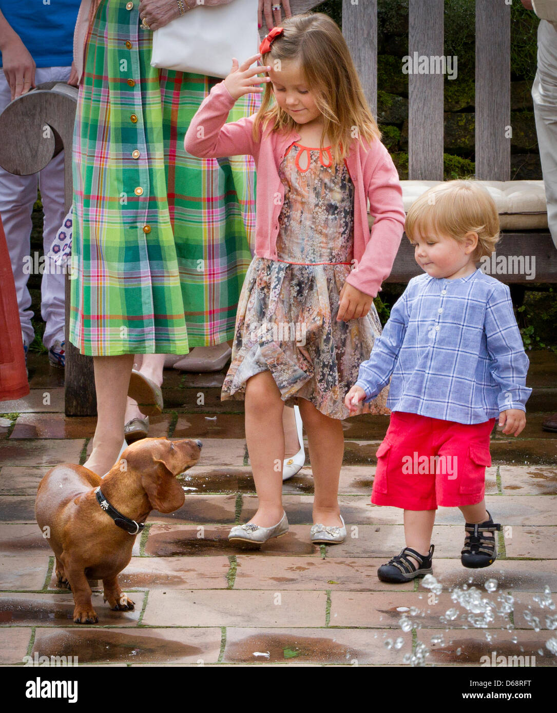 princess-isabella-prince-vincent-and-dachshund-helike-attend-the-annual-D68RFT.jpg