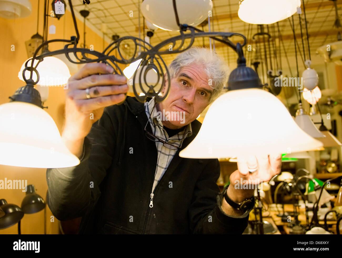 olaf bornemann presents old berlin brass lamps at. Black Bedroom Furniture Sets. Home Design Ideas