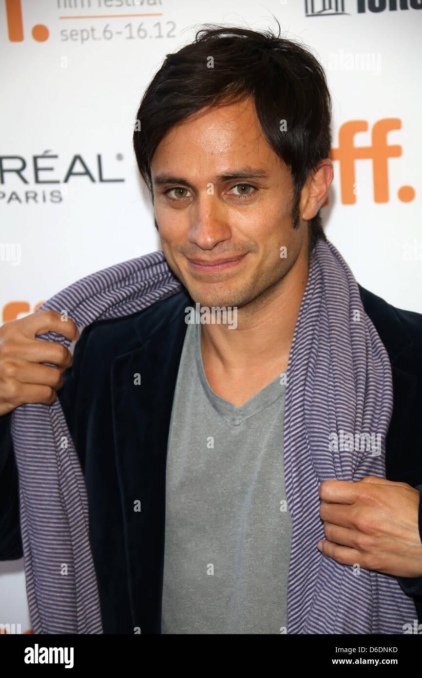 Gael Garcia Bernal Filmes inside mexican actor gael garcia bernal arrives for the premiere of the