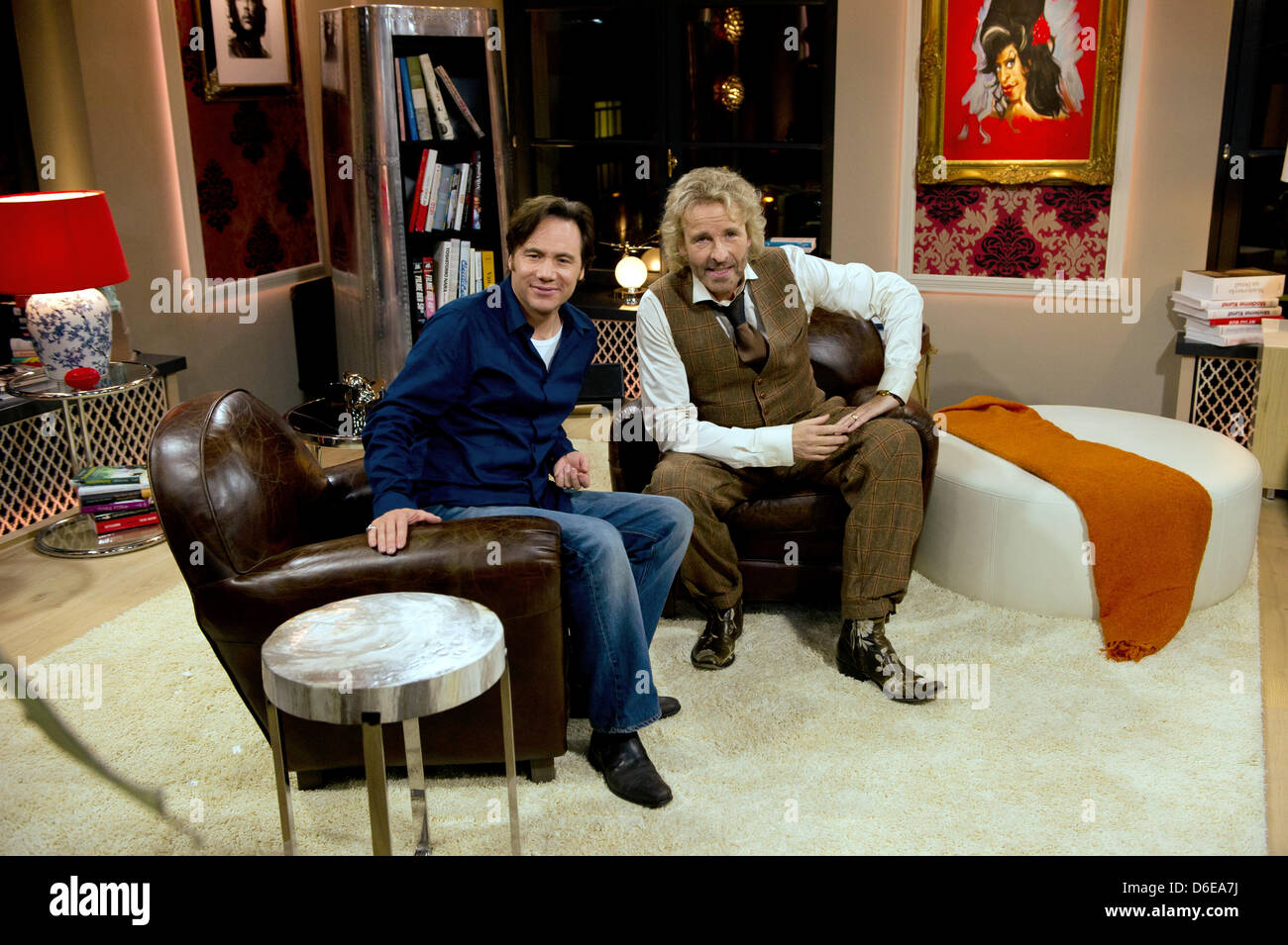Pose Tv Dising - Tv Presenter Thomas Gottschalk And Director Michael Bully Herbig [mjhdah]http://c8.alamy.com/comp/KJ6B1X/xavier-durringer-joey-fare-winner-best-tv-movie-mini-series-pose-on-KJ6B1X.jpg
