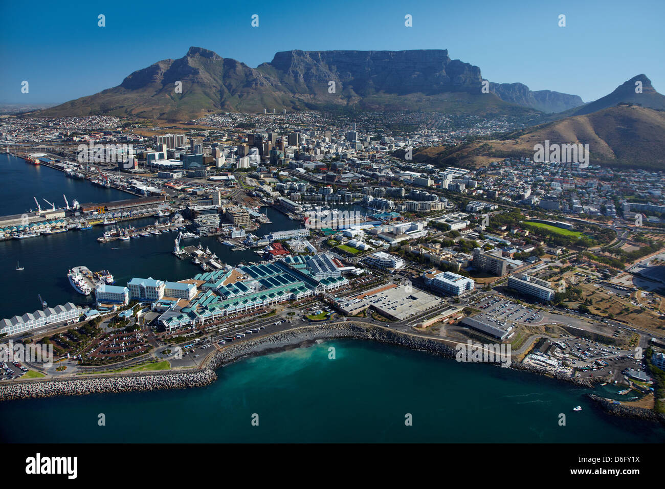 The table bay hotel v a waterfront cbd and table for Table bay hotel quay 6