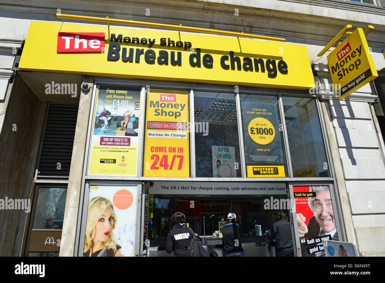 the money shop bureau de change marble arch oxford street west stock photo 55800580 alamy. Black Bedroom Furniture Sets. Home Design Ideas