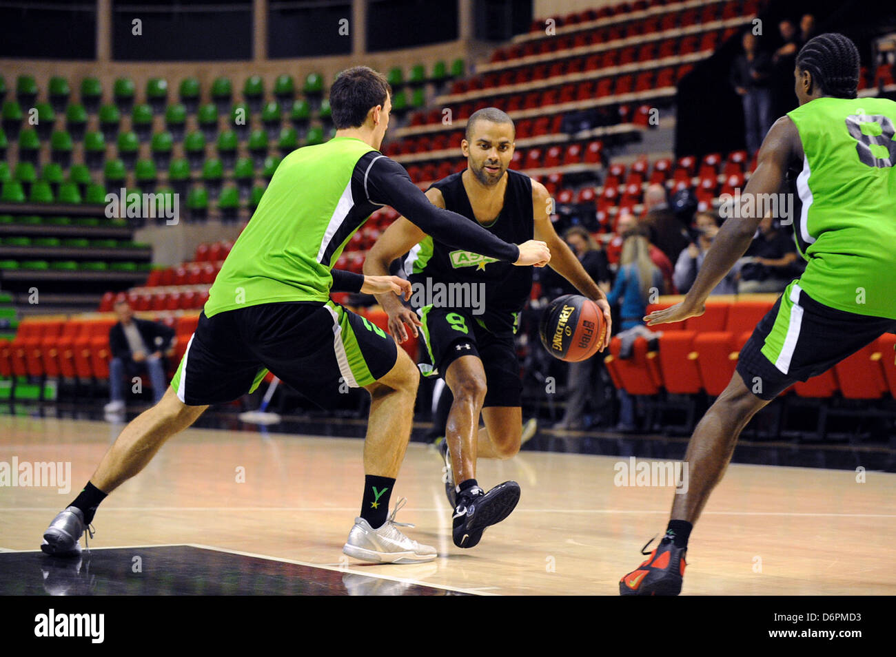 Tony Parker training to play for ASVEL Villeurbanne basketball