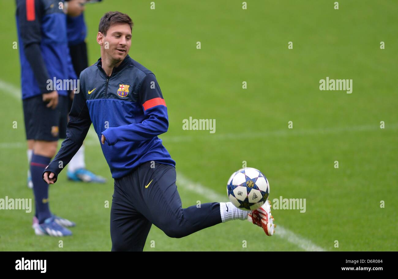 Fc barcelona s lionel messi juggles the ball during a training session at allianz arena in munich germany 22 april 2013 fc bayern munich will play fc