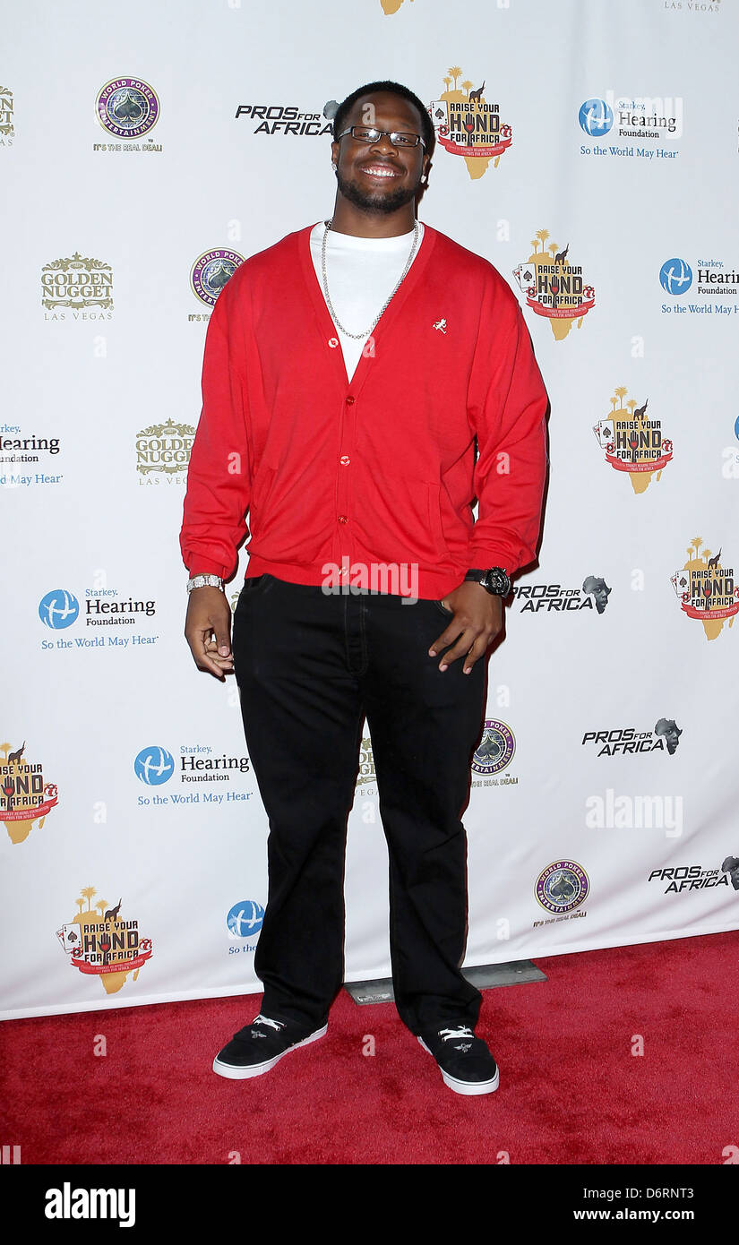 Gerald McCoy Celebrities Poker Pros and Football Stars Raise
