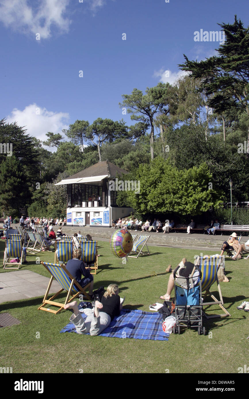 uk dorset bournemouth bournemouth gardens people spending