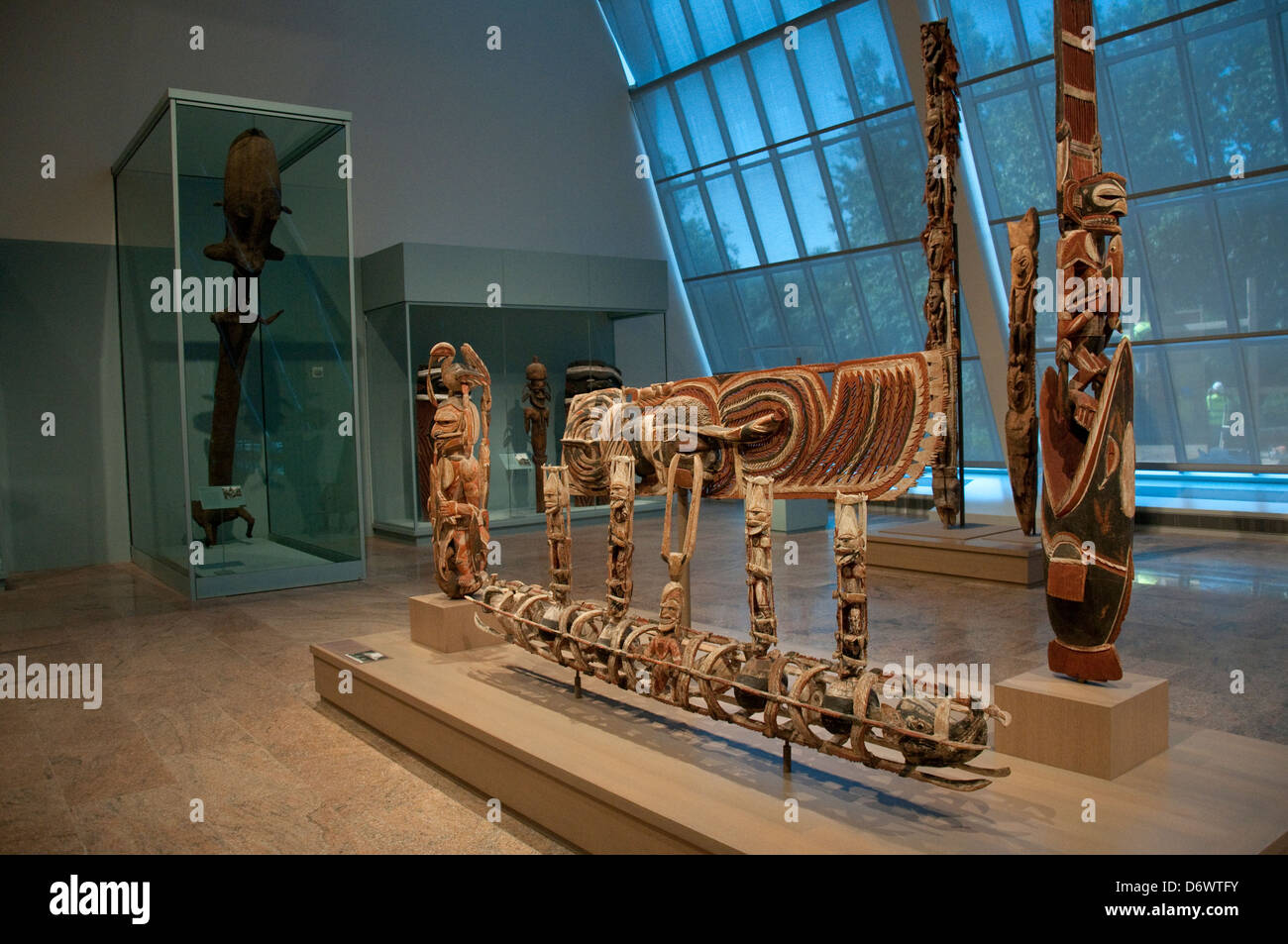 The arts of africa oceania and the americas gallery in for Museum of art metropolitan