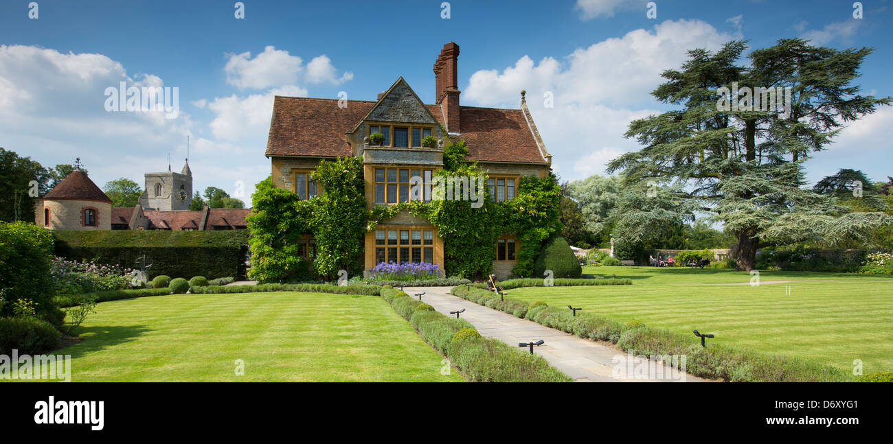 Le manoir aux quat saisons luxury hotel founded by raymond blanc at great milton in oxfordshire uk
