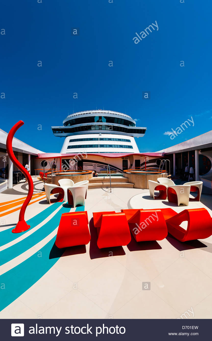 Vibe Teen Club On The New Disney Dream Cruise Ship Sailing - Is disney building a new cruise ship