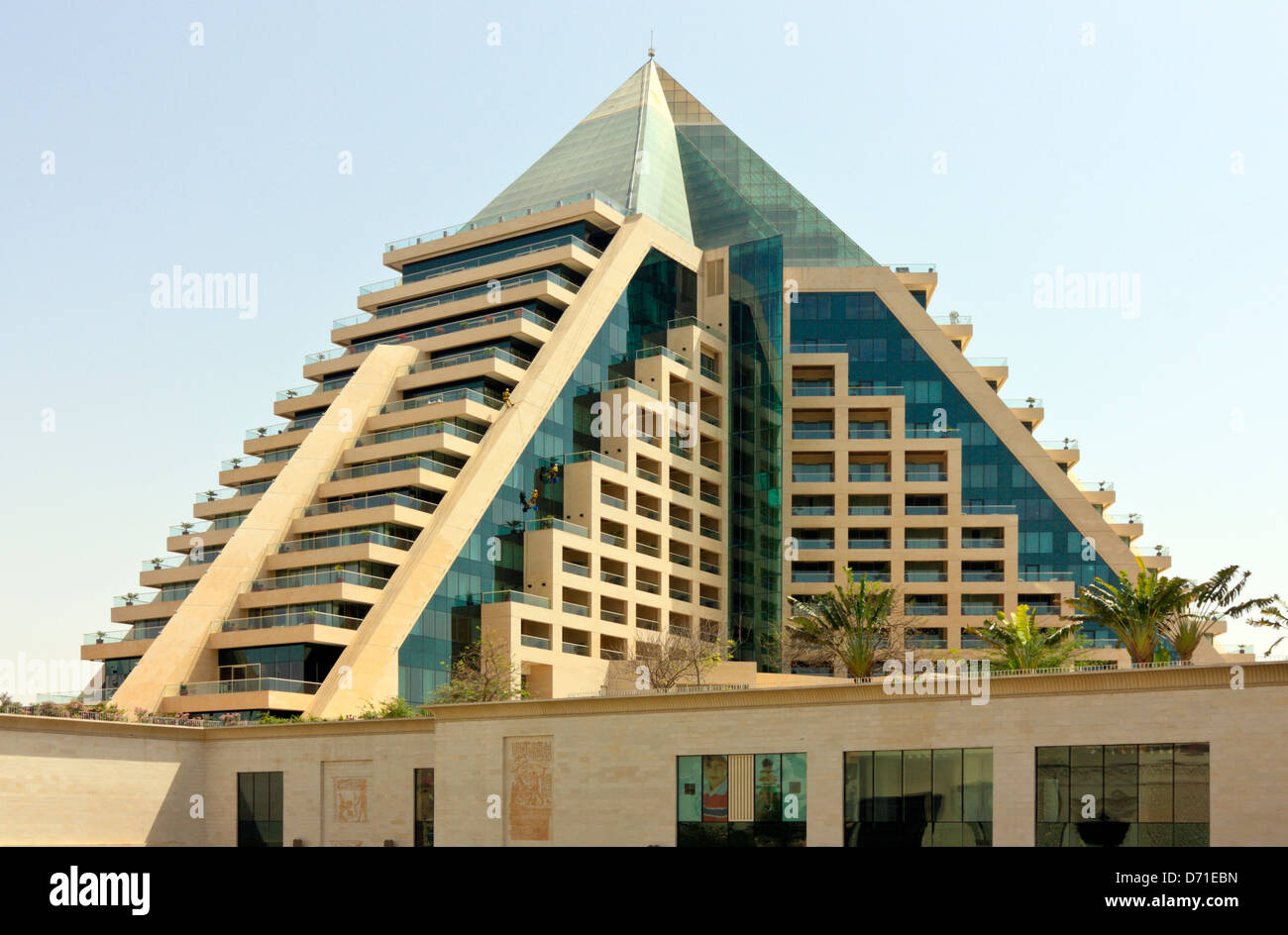 Pyramid shaped hotel complex at the wafi shopping mall for D shaped hotel in dubai