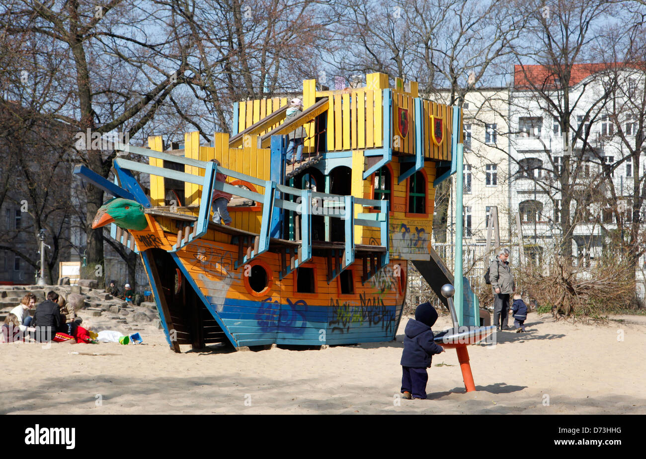 berlin germany children 39 s playground in prenzlauer berg. Black Bedroom Furniture Sets. Home Design Ideas