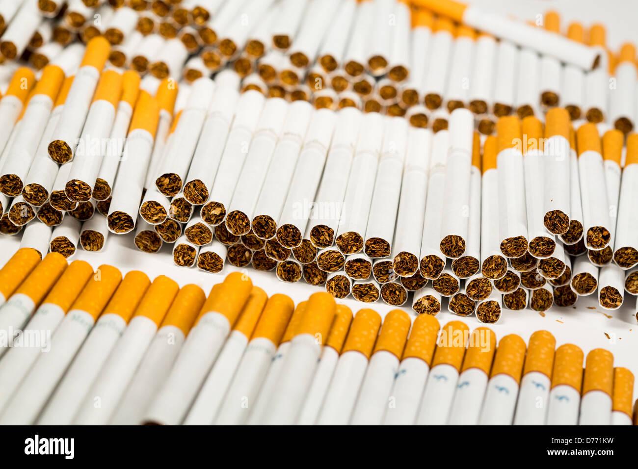 Marlboro cigarettes India price