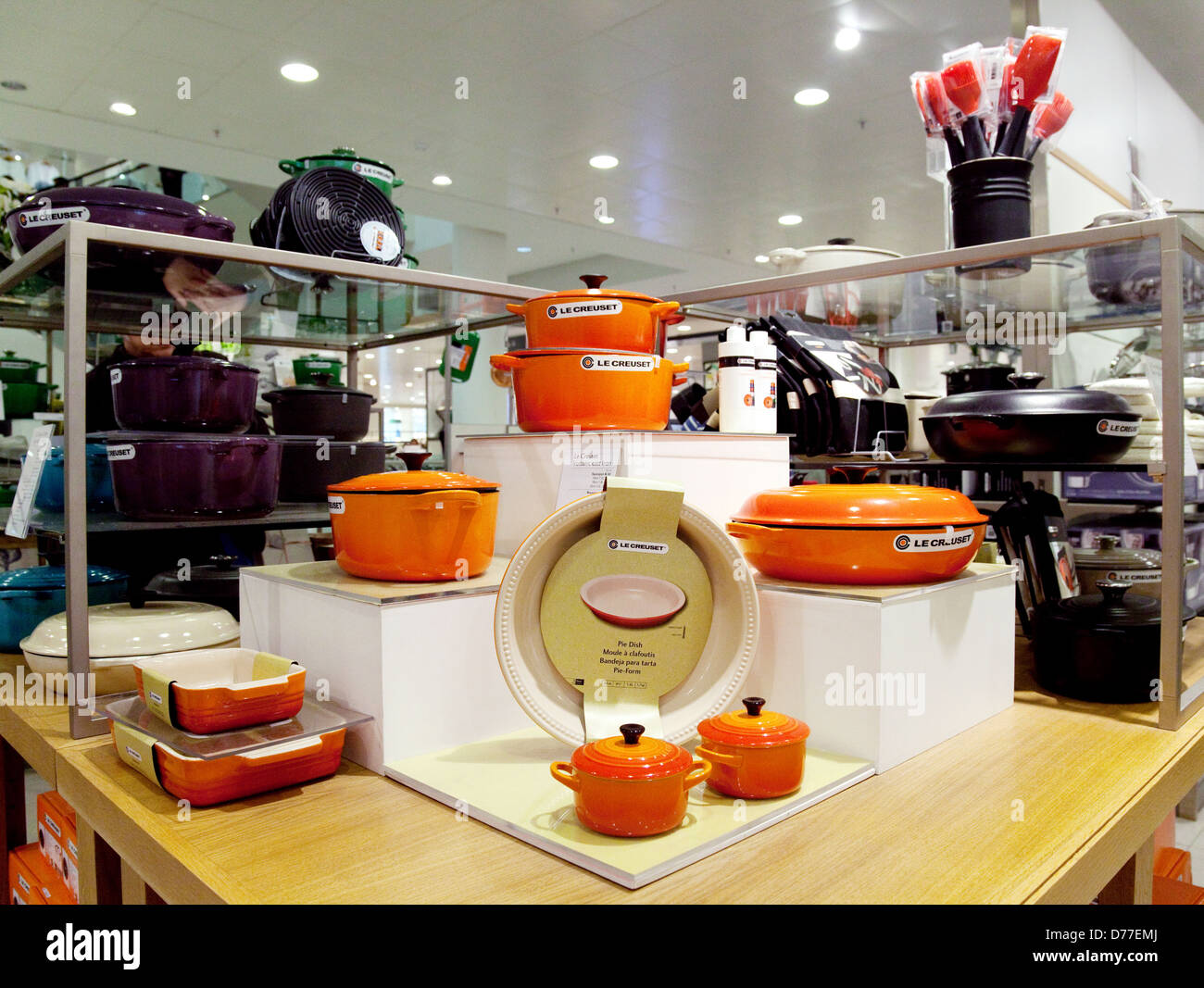 le creuset kitchenware for sale in the john lewis store. Black Bedroom Furniture Sets. Home Design Ideas