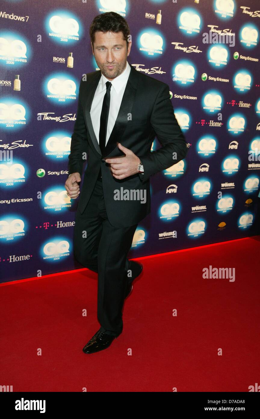 Gerard Butler At The Gq Gala 39 Men Of The Year 2009 39 In