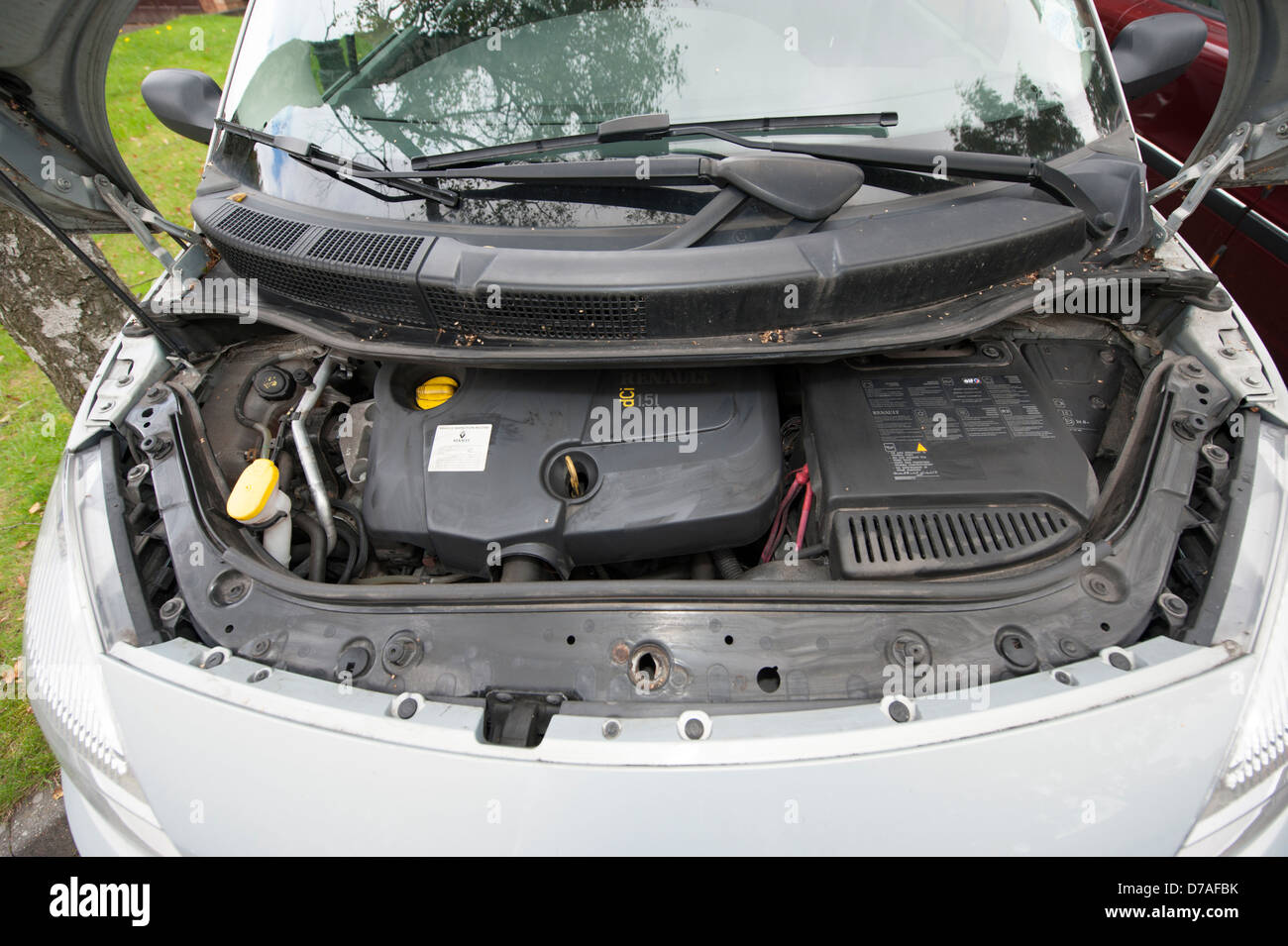 Engine bay stock photos engine bay stock images alamy open engine bay compartment renault scenic car stock image pooptronica