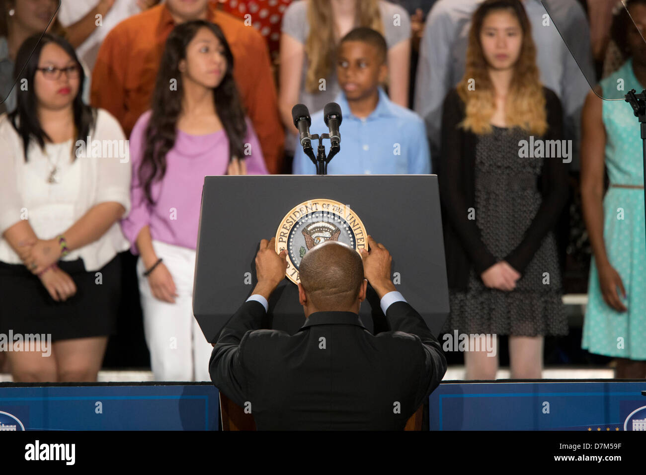 aide adjusts seal of the president of the united states of america on lectern before - Presidents Of The United States Of America