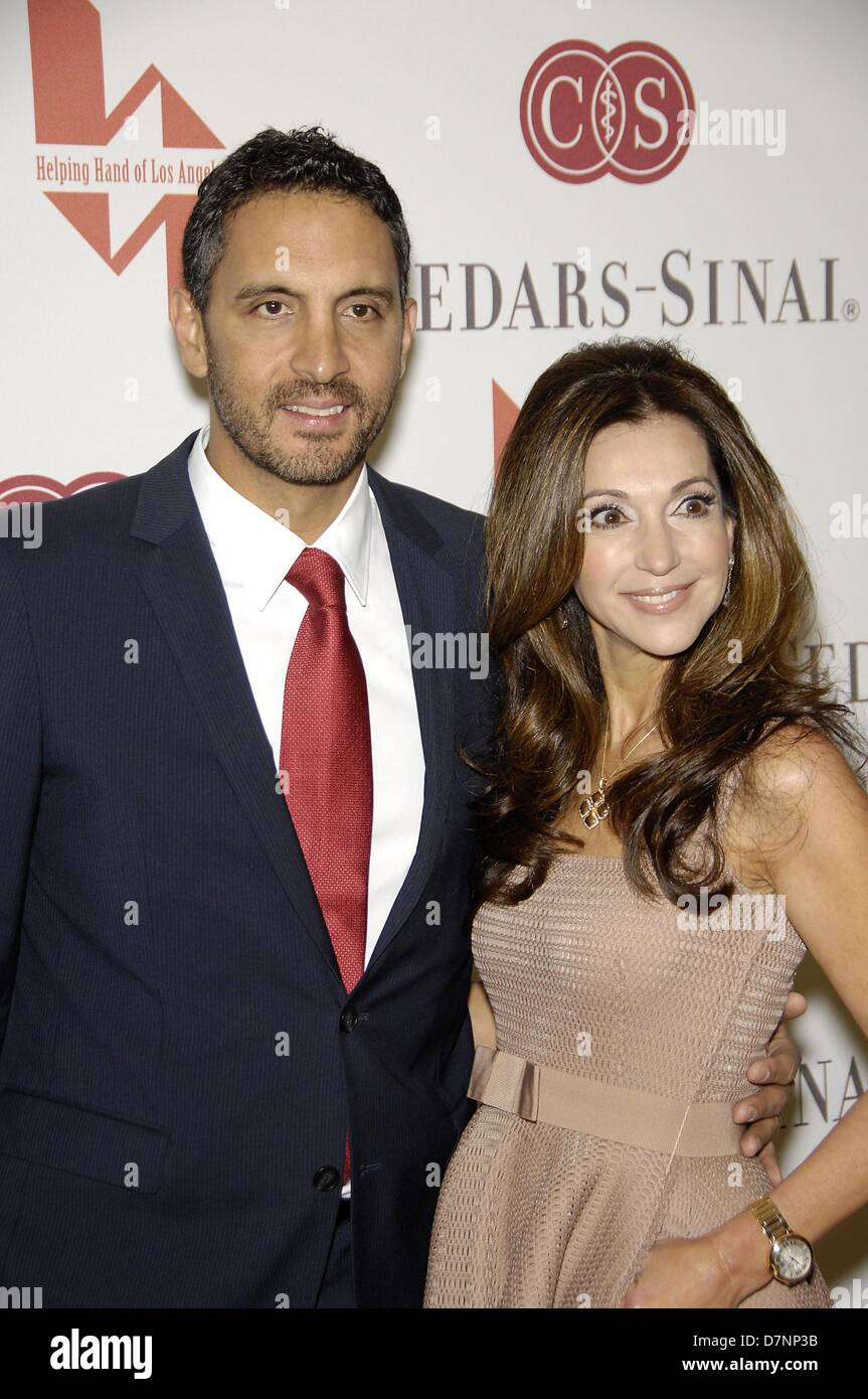 Mauricio umansky lea porter at the helping hand of los angeles mothers day luncheon and fashion show beverly hills hotel beverly hills ca may 10