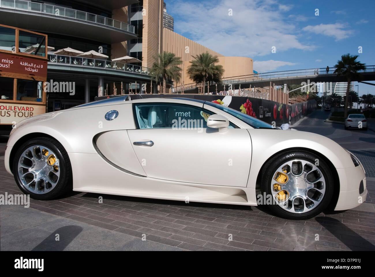 pearlescent white bugatti veyron eb sportscar stock photo royalty free image 56416686 alamy. Black Bedroom Furniture Sets. Home Design Ideas