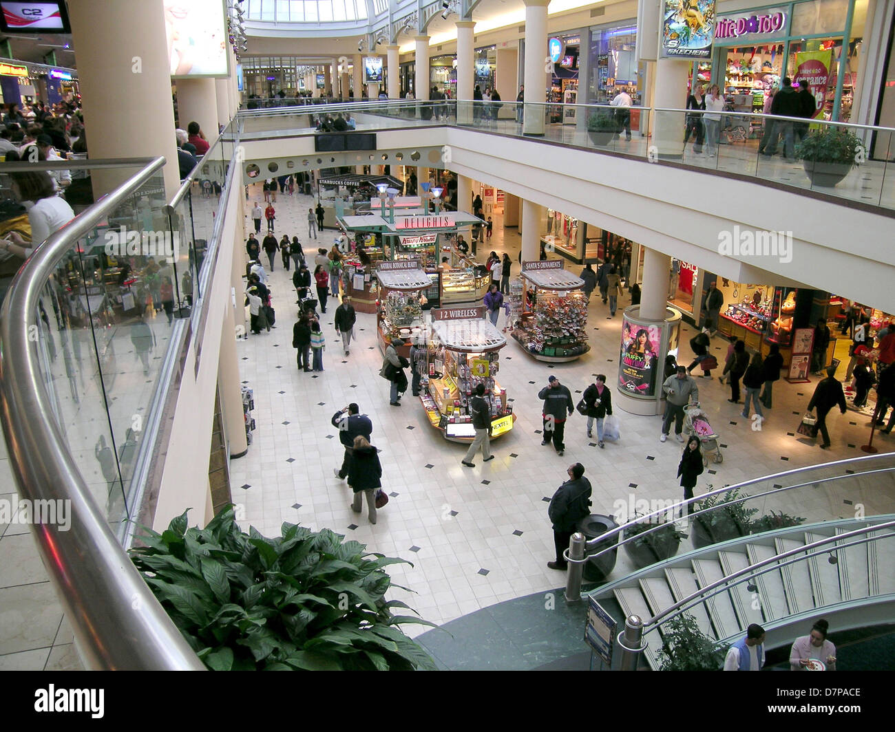 Roosevelt Field Mall Long Island Garden City, New York Stock Photo ...