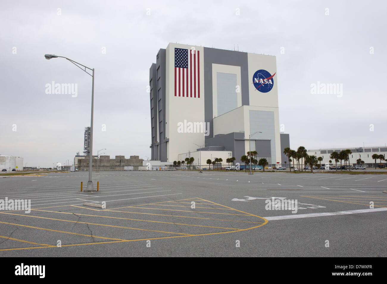Vehicle assembly station building kennedy space center for Space station usa