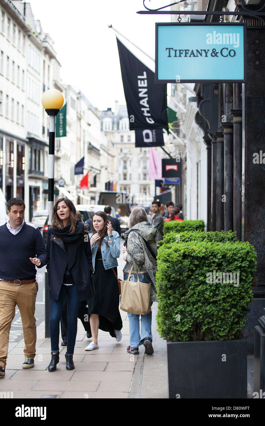 Signs For High End Fashion And Exclusive Brands On New Bond Street Stock Photo 56568396 Alamy