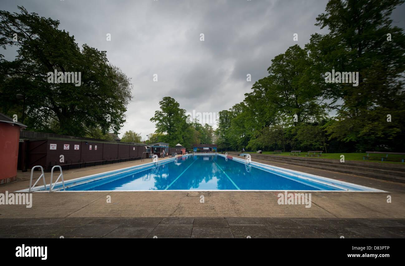 Jesus Green Outdoor Pool Gallery