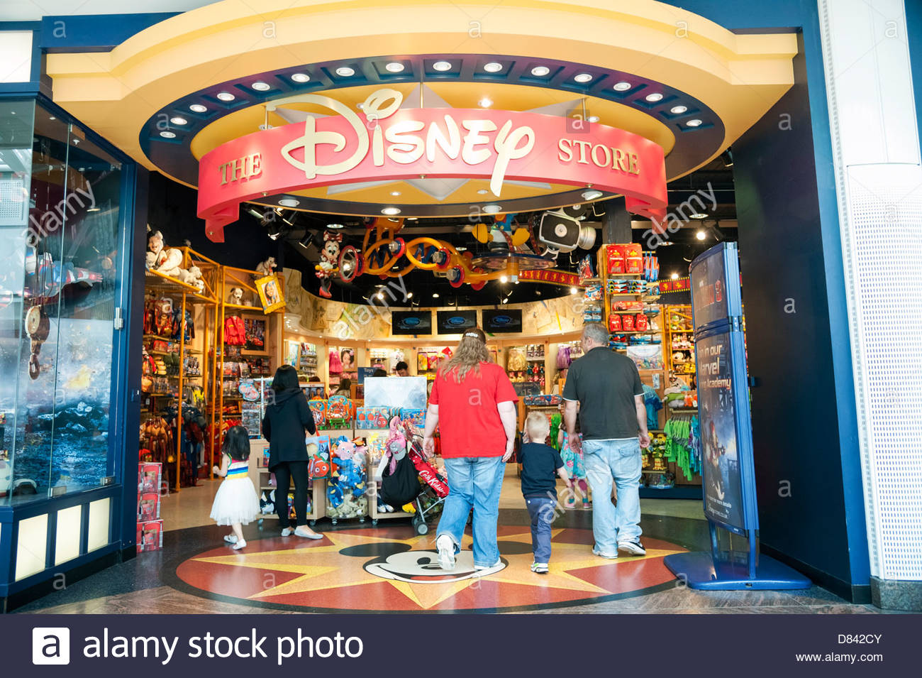 Nov 21,  · Discover all you need to know about Disney movies, live shows, holidays, parks and the latest magical gifts from shopDisney.
