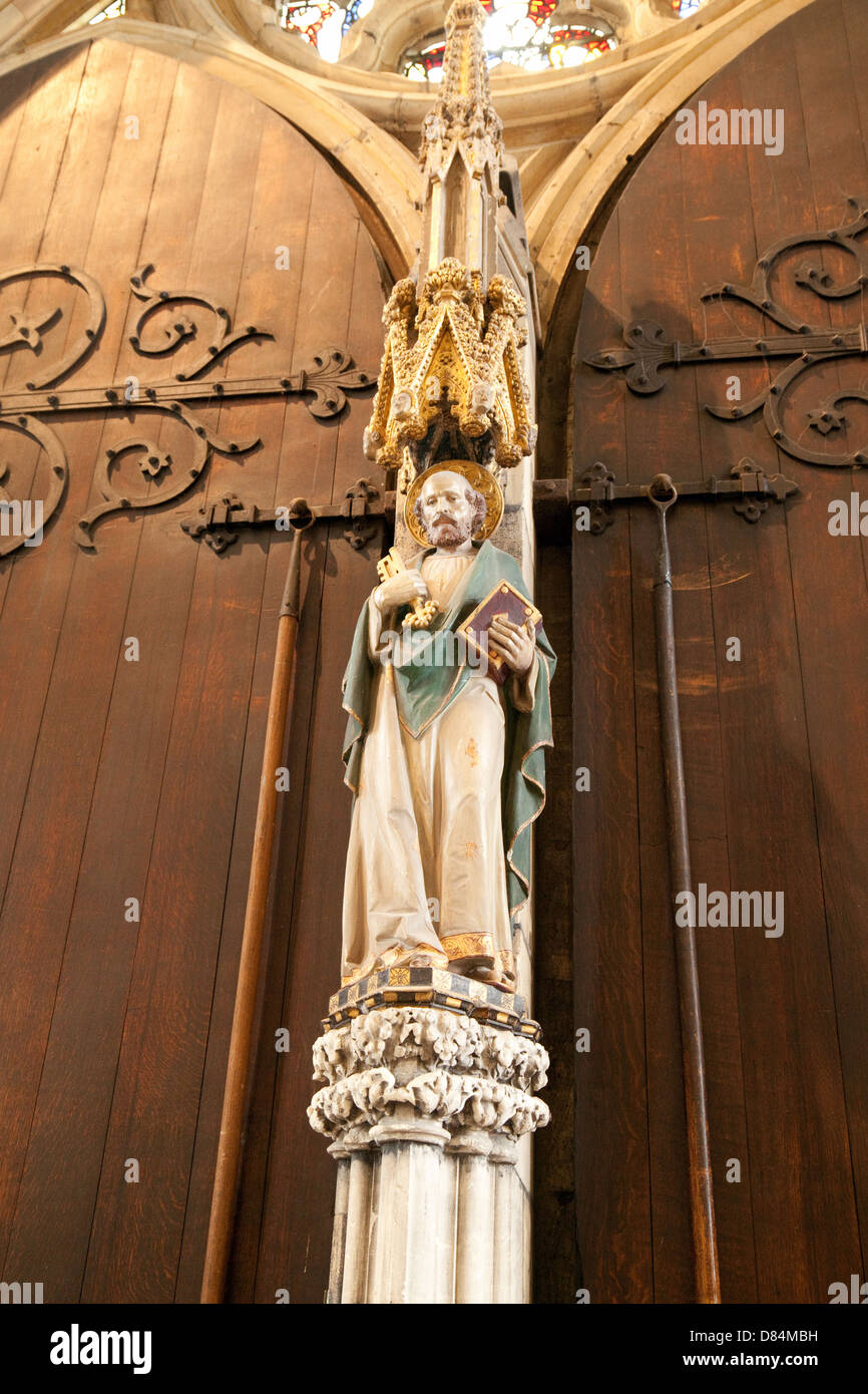 Stock Photo - The Statue of St Peter between the Great West Doors York Minster Cathedral York Yorkshire UK & The Statue of St Peter between the Great West Doors York Minster ... Pezcame.Com